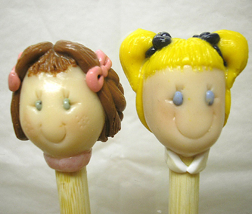 *GIRLFRIENDS* on bamboo knitting needles - Click Image to Close
