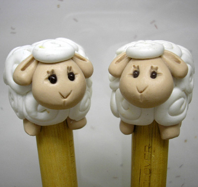 *SHEEPS* on wood knitting needles, 10mm (US15) to 15mm (US19)