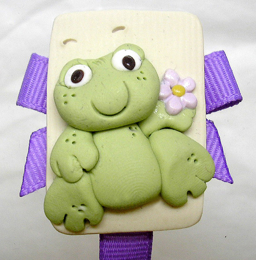 *FROG* pacifier holder, lilac ribbon