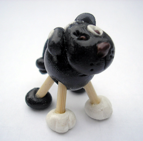 *BLACK DOG* figurine