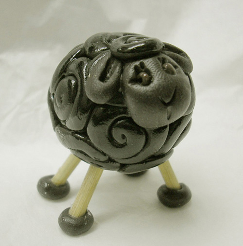*BLACK SHEEP* figurine