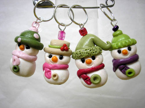 *SNOWMEN* stitch markers (set of 4 )