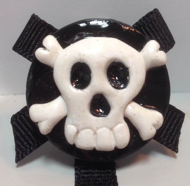 *SKULL* pacifier holder, black ribbon